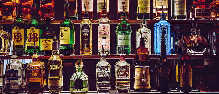 botellas de whiskey